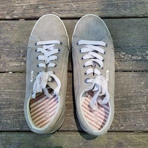 Taos Star Sneakers Khaki Washed Canvas Size 10